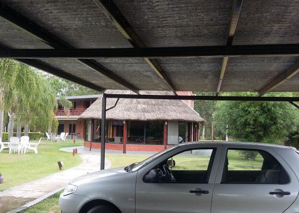 Cocheras techadas, Quincho familiar